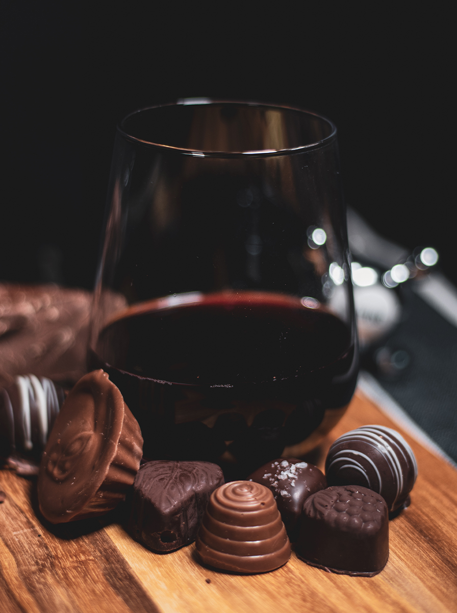 https://cfxniagara.ca/wp-content/uploads/2020/10/chocolates.jpg
